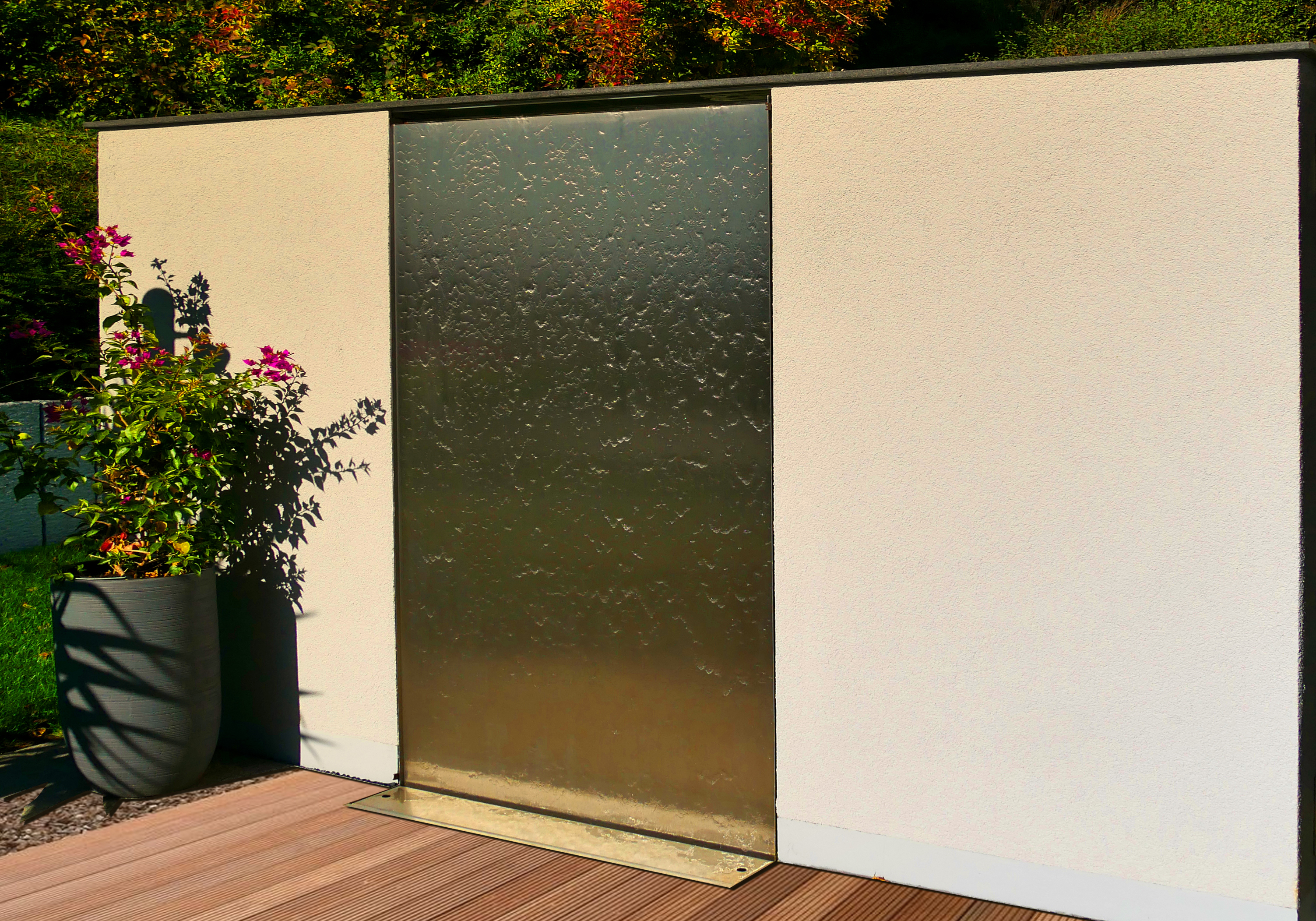 Wasserwände auf der Terrasse und im Garten – neue ...